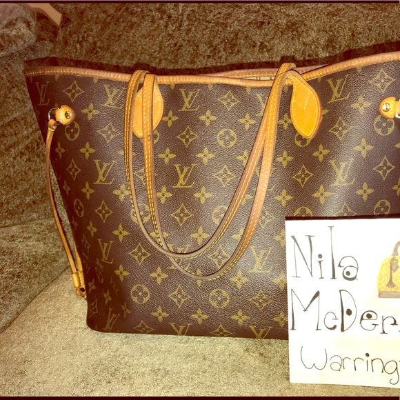 Louis Vuitton Handbags - 💕Sold💕